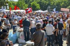 Distribución de los alimentos libre de la protesta del parque de Taksim Gezi en el área, e Fotos de archivo libres de regalías
