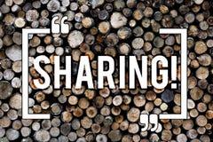 Distribución del texto de la escritura de la palabra El concepto del negocio para a compartir para dar una porción algo a otra po fotos de archivo