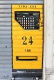 Distributeur automatique de cigarette, Italie images stock