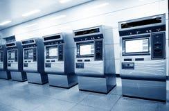 Distributeurs automatiques automatiques de billet Images stock