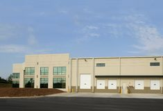 Distribution Warehouse. A new commercial warehouse for lease Royalty Free Stock Photo