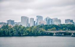 Distric ορίζοντας arlington του Ρόσλυν πέρα από τον ποταμό από την Ουάσιγκτον δ Στοκ Εικόνες