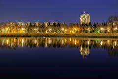 District bij nacht stock afbeelding