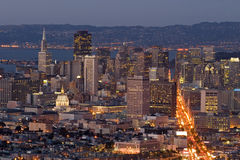 district dusk financial lights στοκ φωτογραφίες