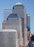 Districto financiero de Manhattan en la puesta del sol de Jersey Imágenes de archivo libres de regalías