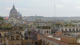 Distrito central en Roma, alquiler del apartamento cerca de la arquitectura histórica italiana almacen de metraje de vídeo