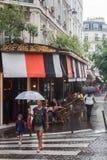 Distrito chuvoso de Montmartre em Paris Fotografia de Stock