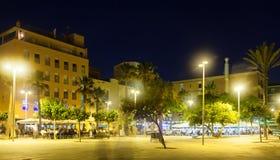 Distrito de Barceloneta do lado de mar na noite fotos de stock