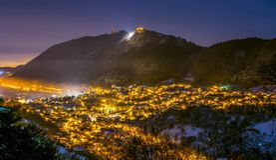 Distrito de Brasov Scheii, tiro de la noche Fotos de archivo libres de regalías