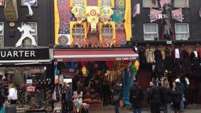 Distrito de Camden Town - Londres - Reino Unido almacen de metraje de vídeo