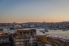 Distrito de Fatih, paisagem da cidade do por do sol Fotografia de Stock Royalty Free