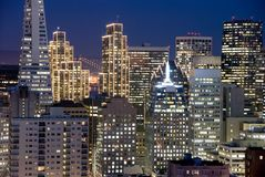 Distrito financeiro de San Francisco na noite fotos de stock