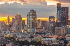Distrito financiero de Bangkok en la puesta del sol Fotografía de archivo