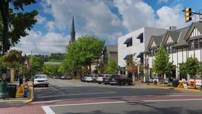 Distrito financiero de establecimiento diurno del tiro en la pequeña ciudad los E.E.U.U. almacen de video
