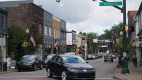 Distrito financiero de establecimiento diurno del tiro en Main Street los E.E.U.U. almacen de video