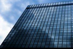 Distrito financiero moderno en tono azul Imagenes de archivo