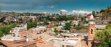 Distrito histórico Abanotubani - distrito del baño en la ciudad vieja de Tbilisi Foto de archivo libre de regalías