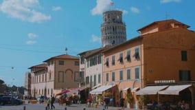 Distrito histórico hermoso de Pisa con la torre inclinada - PISA TOSCANA ITALIA - 13 de septiembre de 2017 almacen de video
