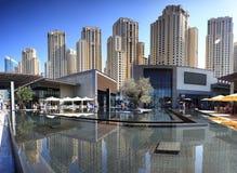 Distrito luxuoso da baía do porto em Dubai fotos de stock royalty free