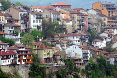 Distrito residencial congestionado de Veliko Tarnovo imagens de stock royalty free