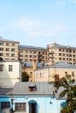 Distrito residencial viejo del patio urbano Foto de archivo libre de regalías