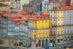 Distrito viejo de Ribeira en Oporto, Portugal Fotos de archivo