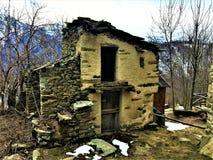 Distruzione, abbandono, rovine ed inverno immagine stock libera da diritti