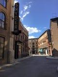 Dit is een streetview die op een studiopartij wordt gevestigd die een historische stad simuleren plaatsend zoals de Stad van New  royalty-vrije stock afbeeldingen