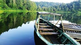 Dit schip is calmly in het meer royalty-vrije stock foto's