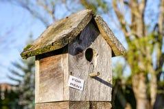 Dit vogel-Houe is ` voor Huur ` in Portland afschilderend het huidige Tekort aan woningen royalty-vrije stock afbeeldingen