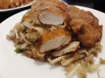 Dita del pollo con riso ed i germi di soia immagine stock libera da diritti