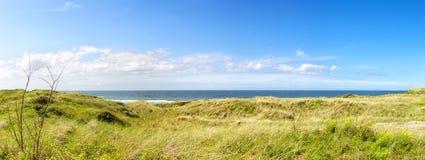 Diuny i Północny morze na Juist Obrazy Stock
