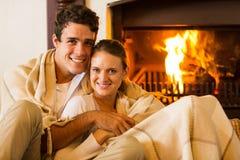 Divan de détente de couples Photos stock