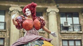 Divas, van het B-Pasvorm het Internationale Festival Straattheater, Buchares Stock Foto's