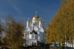 Diveevo Kloster av St-serafen av Sarov betyder den grundade domkyrkafabriken 1824 yakovlev för transfiguration för stenen för nev Fotografering för Bildbyråer