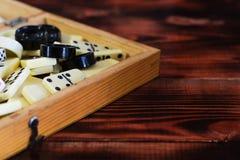 Divers échiquier de jeux de société, jouant des cartes, dominos Images libres de droits