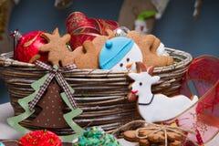 Divers biscuits de pain d'épice de Noël, gâteaux, petits gâteaux Image stock