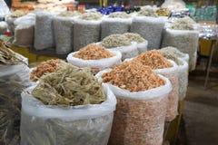 Divers genres d'anchois image stock