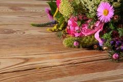 Divers genres de fleurs dans beaucoup de couleurs Photos stock