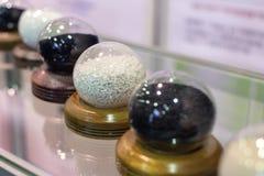 Divers korrels en poeder in duidelijke glascapsules royalty-vrije stock afbeelding