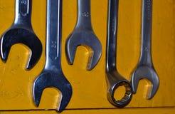 Divers outils pour réparer des clés photographie stock libre de droits