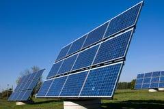 Divers panneaux à énergie solaire image libre de droits