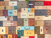 Divers petits tiroirs colorés Photo libre de droits