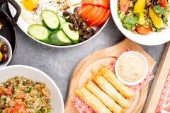 Divers plats libanais/cuisine méditerranéenne Photo libre de droits