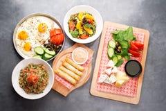 Divers plats libanais/cuisine méditerranéenne Images libres de droits