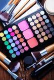 Divers produits de maquillage Photographie stock libre de droits