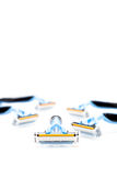 Divers rasoirs de rasage d'isolement sur un fond blanc Photographie stock libre de droits