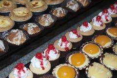 Divers smakelijk en vers voedsel voor banket bij hotel Royalty-vrije Stock Foto