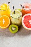 Divers tropisch fruit smoothies Stock Foto