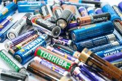 Divers type van dode batterijen sluit omhoog geschoten royalty-vrije stock foto